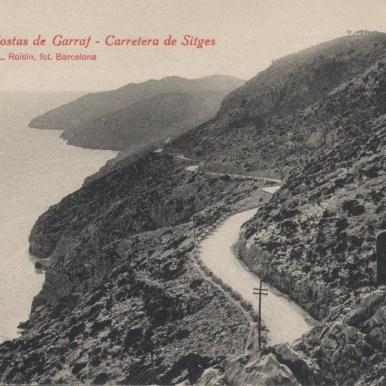 Costas del Garraf. Antigua foto en blanco y negro de la vía, aún sin asfaltar.
