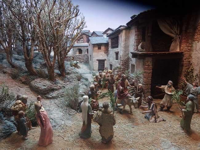 Detalle de la exposición de dioramas del Calvario de Cristo.