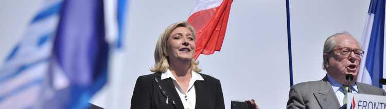 Meeting_1er_mai_2012_Front_National,_Paris_(40)