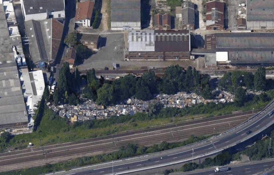 Un bidonville Rom à La Courneuve