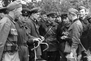 Spotkanie dwóch agresorów – żołnierzy niemieckich i radzieckich
