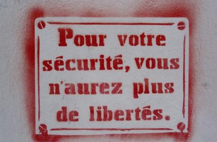 Pour-votre-securite--vous-n-aurez-plus-de-libertes