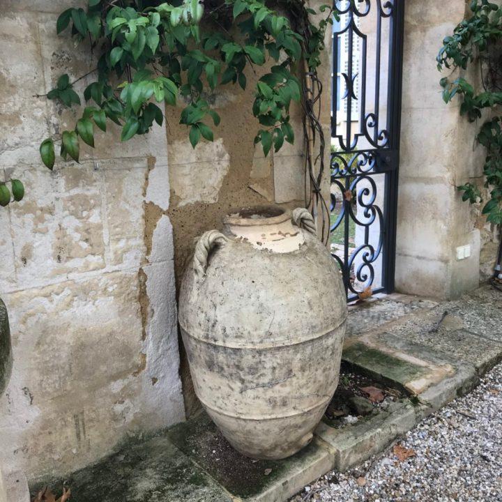 PDT-2018-Les Baux de Provence-Château Estoublon-Amphore romaine-Les Papotis de Thalie