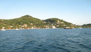 Petite Martinique vue de Pt St Vincent
