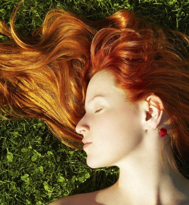 spray-hydratant-cheveux-soleil-été