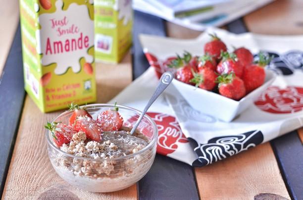 porridge avoine fraise lait d'amande