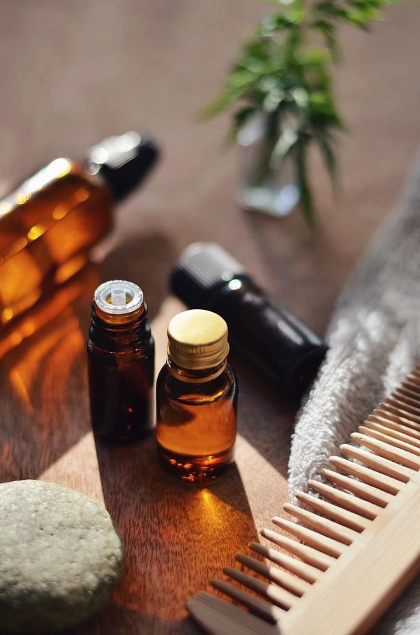huiles essentielles soin cheveux