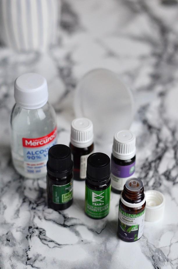 huiles essentielles alcool ménager entonnoir
