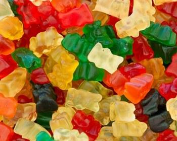 bonbons en gelatine pouvant servir à une expérience de chimie amusante