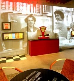 Chez Camille Bloch - L'histoire