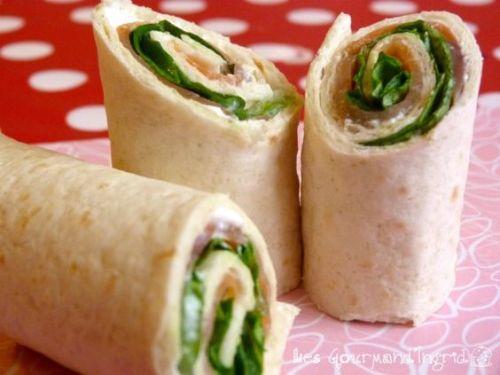 wrap saumon fumé / chèvre frais / mâche