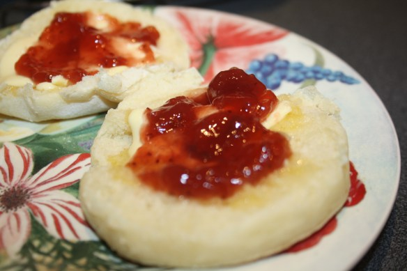 Muffins butter and jam