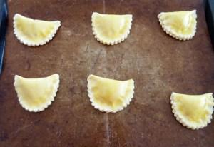 Chaussons aux pommes avant la cuisson