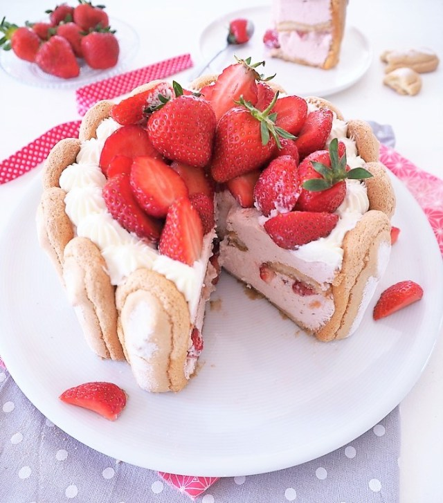 charlotte aux fraises - les petits secrets de lolo