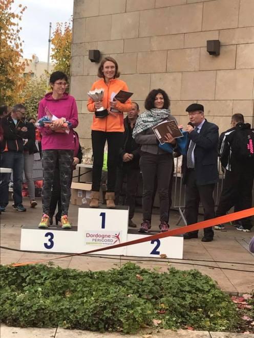 podium-f