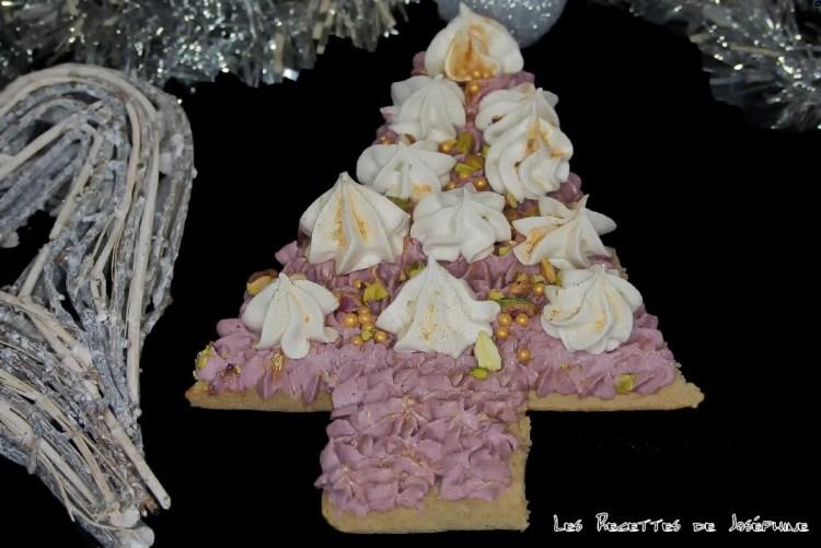 Gâteau sapin pour Noël avec ganache  aux fruits rouges