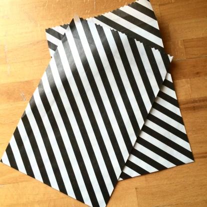sachet-bonbon-noir-et-blanc