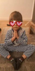 yoga-enfant-meditation