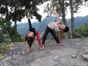 bienfaits-yoga-enfants