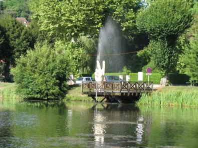Didier TRENET v étude d'une fontaine à Lalinde EPHEMERES 2009 (9)