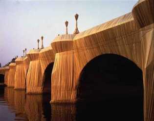 CHRISTO, l'emballage du Pont Neuf, 22 septembre 1985