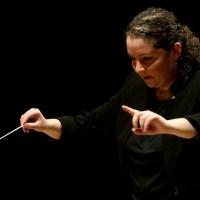 Zahia Ziouani et L'Orchestre  Symphonique Divertimento