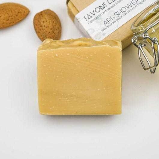 Savon à base de miel et lait d'amande - Savon solide saponifié à froid, surgras, naturel et bio, zéro déchet