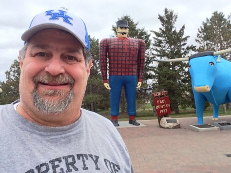 Sumoflam at Paul Bunyan statue in Bemidji, Minnesota - Dreams can come true!