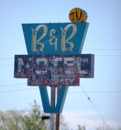 Old Motel Neon sign in Shoshoni, WY