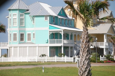 Another colorful beach house on Pirate's Beach