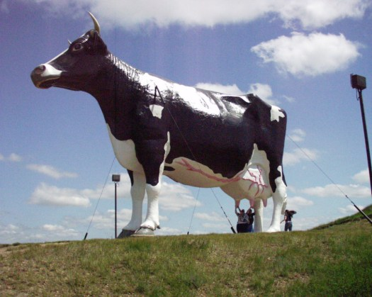 Salem Sue in New Salem, ND - the World's Largest Holstein Cow