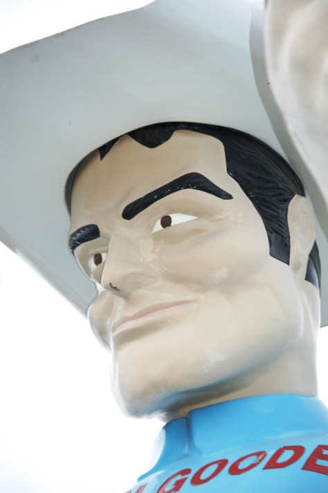 Big Tex Muffler Man smiles too