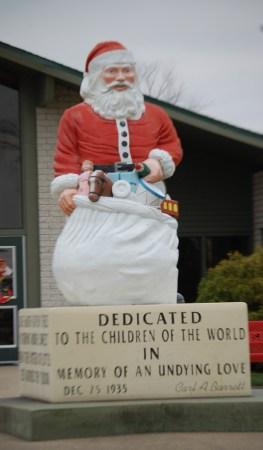 Santa Claus City Hall Santa Statue