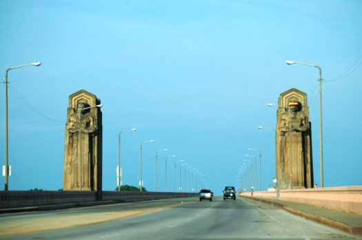 Entrance to the Hope Memorial Bridge which I visited on a different trip.