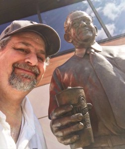 Sumoflam with Dave Thomas statue in Dublin, OH
