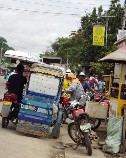 Waiting on passengers - Carbon Market - Cebu