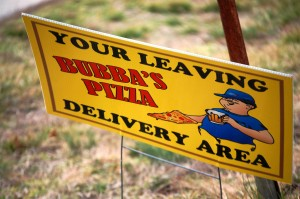 Bubba's Pizza Sign