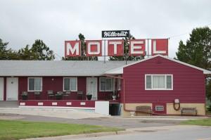 Old style motel - Hillcrest Motel - Burke, SD