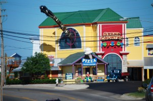 Grand Country Fun Spot - Big Guitar neck - Branson, Missouri