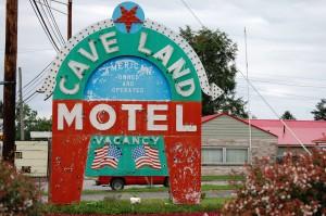 Cave Land Motel - Cave City, Kentucky