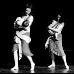 Danser avec bébé en porte-bébé pour reprendre le sport avec bébé, après l'accouchement