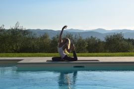 Happy Yoga in Tuscany