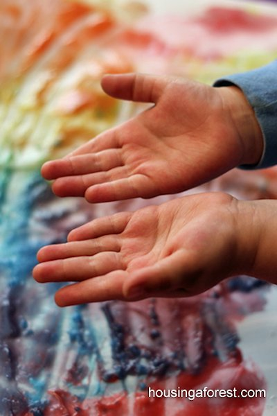 Mess Free Finger Painting