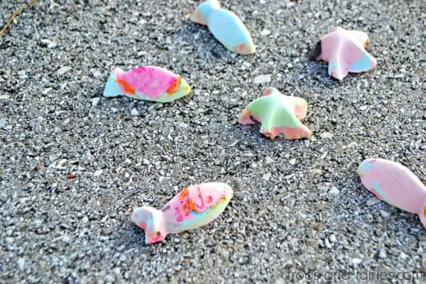 Make Your Own Color-Changing Sidewalk Chalk