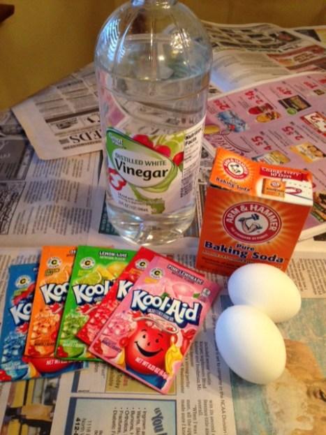 baking soda and vinegar egg dye
