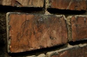 brick-293507_1280