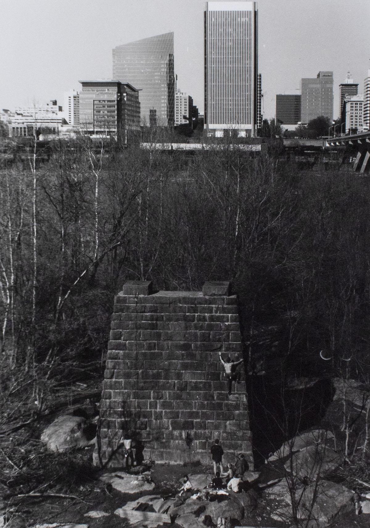 lead climbers at manchester bridge