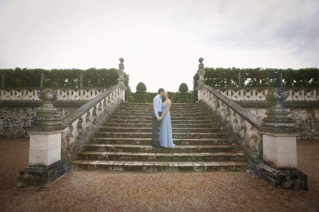Chateau-Engagement-Photos-Loire-Valley