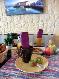 Salle du petit déjeuné hôtel L'estacade au croisic