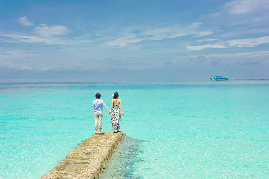 pressing robe honeymoon beach lagoon
